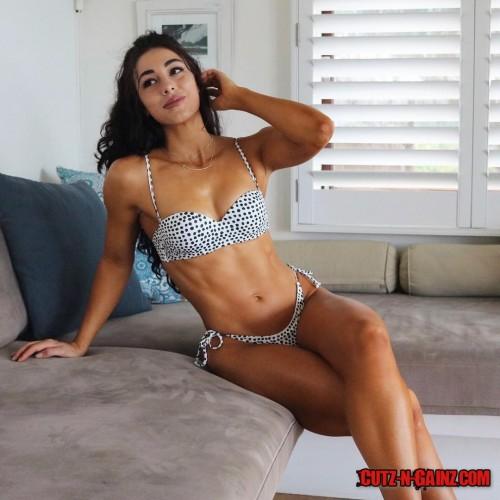 Danielle-Robertson--45.jpg